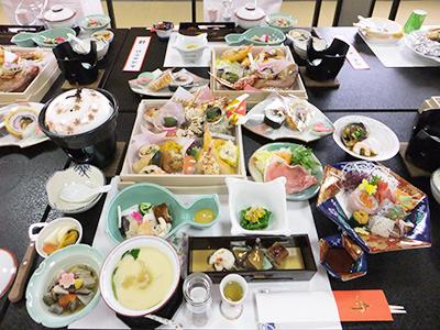 慶祝の料理。10,000円のコース