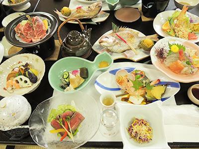 慶祝の料理。8,500円のコース